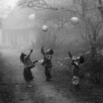 National-Geographic-traveler-photo-contest2012-02-My-Balloon-Vo-Anh-Kiet-Moc-Chau-Son-La-province-Vietnam
