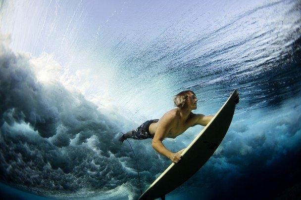 National-Geographic-traveler-photo-contest2012-06-Underwater-Surf-Lucia-Griggi-Cloudbreak-Fiji-Pacific-Ocean