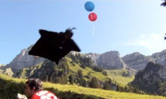 base-jump-vol-wingsuit-parachute-jeb-corliss-grinding-crack