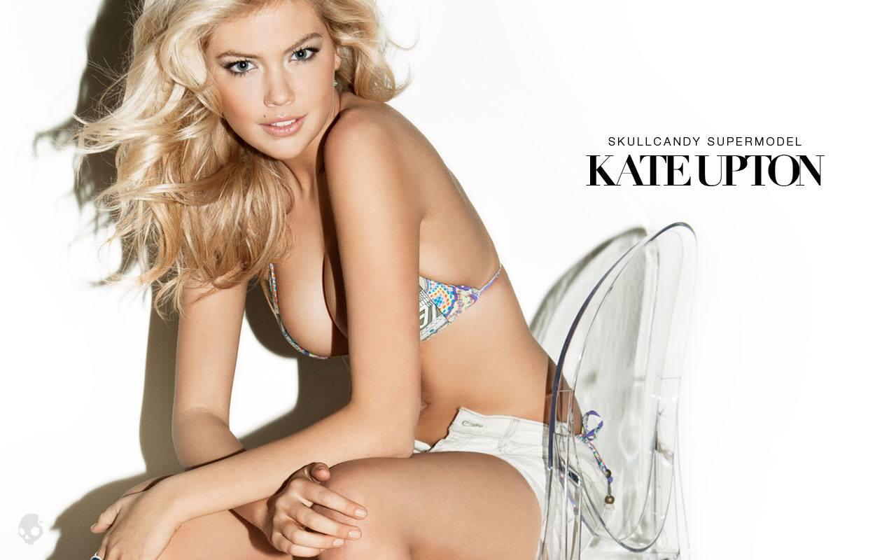 kate-upton-skullcandy-sexy-bikini-00