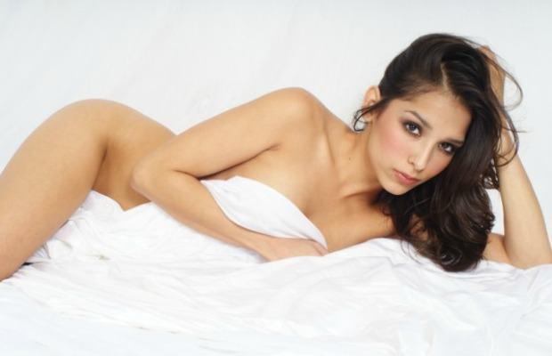 Rosana, la copine intouchable de Wax! Melissa Soria sexy