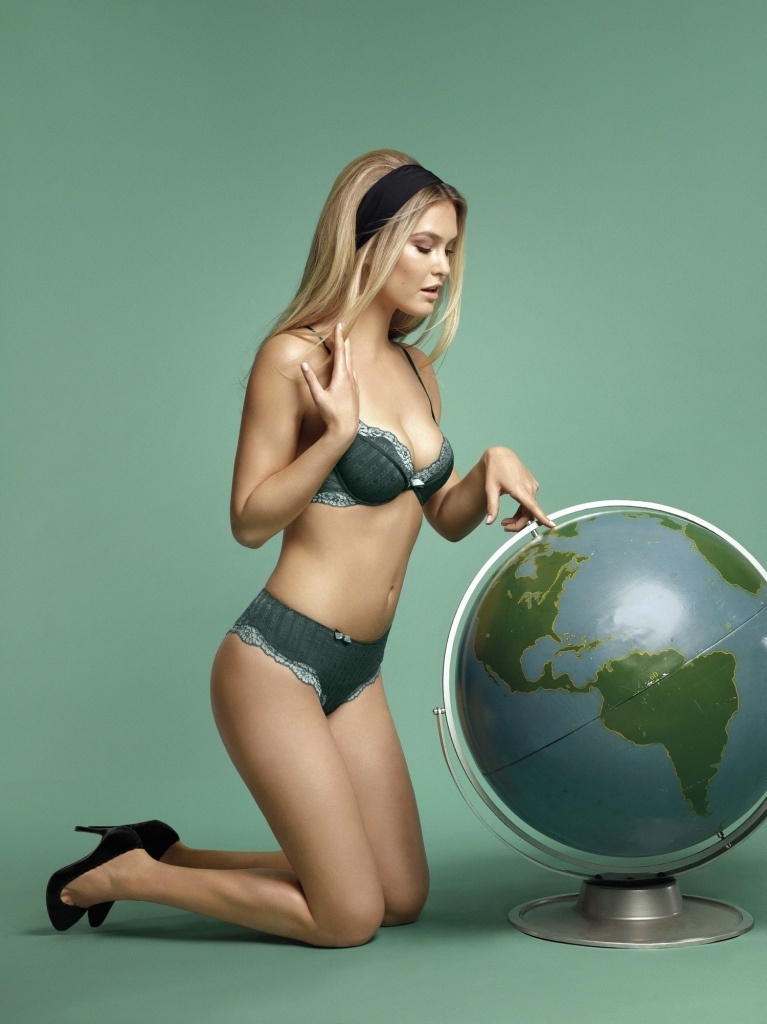 Bar-Refaeli-lingerie-sexy-Passionata-aout-2012-04-Passio