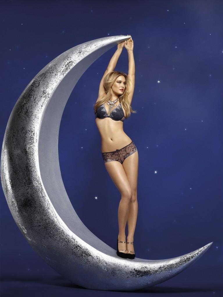 Bar-Refaeli-lingerie-sexy-Passionata-aout-2012-10-White-Nights