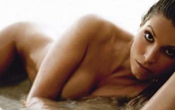 Laury Thilleman nue. La miss france 2011 pose nue dan Paris Mtach. Photo sexy nue Laurie Thileman.