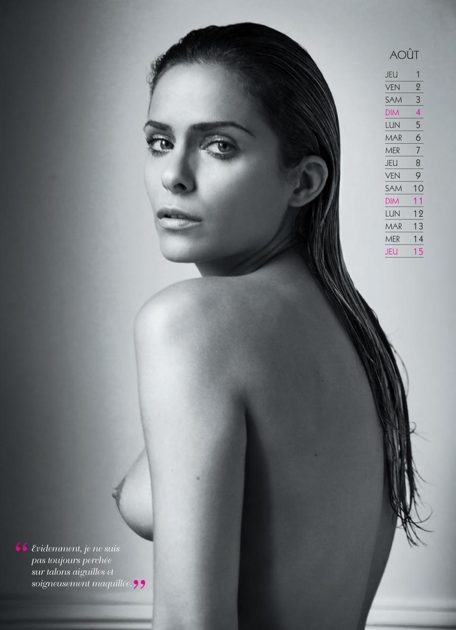 Clara Morgane calendrier sexy 2013 aout