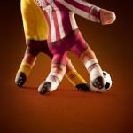 Illusion photo et peinture sur main par Ray Massey : 06 footballeurs