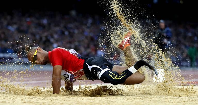 Atsushi Yamamoto (Japon) après un saut en longueur lors des épreuves de qualifications.