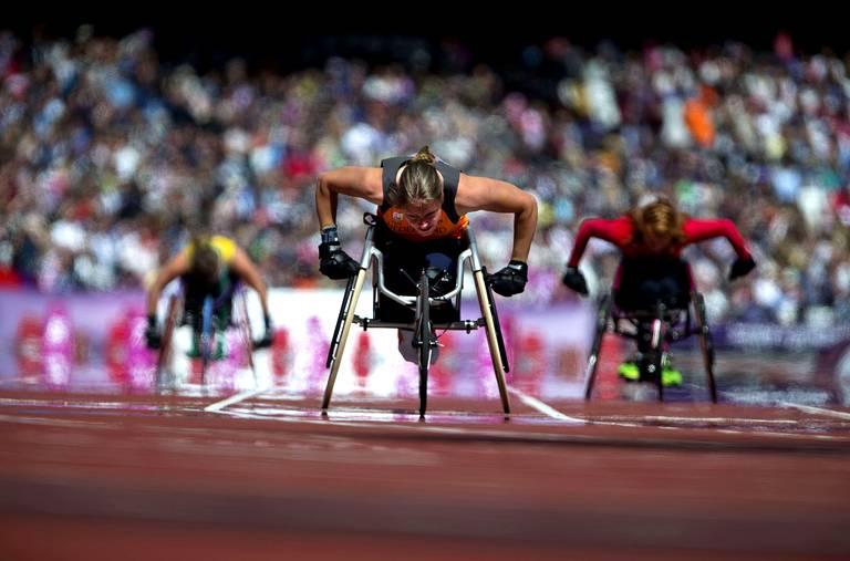 Amy Siemons (Pays-Bas) lors du 100m T34.