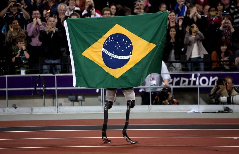 Alan Fonteles Cardoso Oliveira (Brésil) or 200m T44.