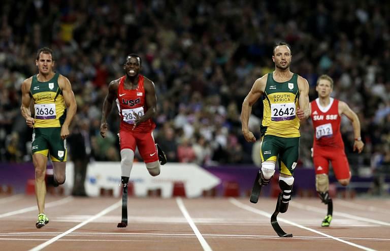 Oscar Pistorius (Sud-africain) finale du 200m T44.