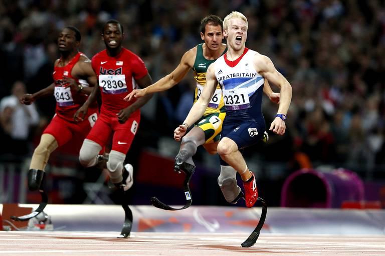 Jonnie Peacock (Grande-Bretagne) gagne le 100m T44.