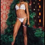 2007, Selita Ebanks porte le Holiday Fantasy Bra (4,5 millions de dollars). Soutien gorge le plus cher du monde Victoria's Secret sexy.