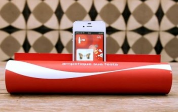 coca-cola-fm-transforme-magazine-amplificateur-audio-iphone