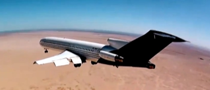Crash-test aérien au Mexique - Avion Boeing 727. Curiocity plane crash.