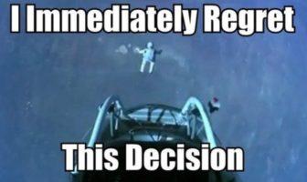 Parodie Red Bull Stratos. Détournement du saut de Felix Baumgartner depuis l'espace. Humour regrette cette décision.