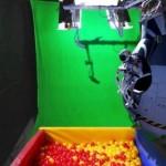 Parodie Red Bull Stratos. Détournement du saut de Felix Baumgartner depuis l'espace. Humour piscine à bulles écran vert.
