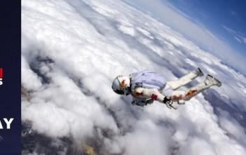 Red Bull Stratos Replay : rediffusionchute libre Supersonique depuis l'espace Felix Baumgartner.