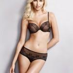 Adriana Cernanova sexy en lingerie full effect. Application sexy Wonderbra Decoder.