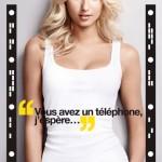 Affiche publicitaire campagne Wonderbra Decoder. Lingerie up to day. Application sexy pour déshabiller Adriana Cernanova avec votre smartphone.