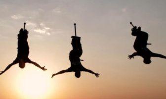 Xpogo Brazil et Hong Kong : voyagez en bâton sauteur extrême. Extreme pogo stick.