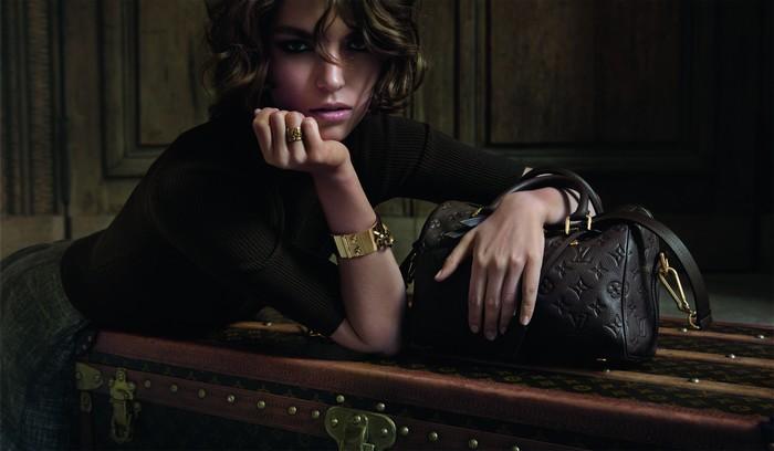 Arizona Muse dans le film publicitaire de Louis Vuitton : L'invitation au voyage. Campagne pub.