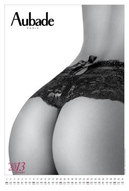 Calendrier aubade 2013 : décembre. La leçon de séduction qui n'a pas besoin de commentaires (magnifiques fesses en noir et blanc).