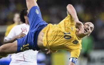 Zlatan Ibrahimovic, but incroyable incroyable en ciseau retourné. Bicyclette lors du match amical Suède Angleterre du 14 novembre 2012.
