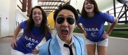 NASA Johnson Style : Eric Sim, étudiant de la NASA parodie Gangnam Style de Psy