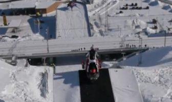 daniel-bodin-saut-67-metres-motoneige-jump-redbull