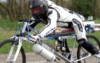francois-gissy-record-monde-vitesse-velo-fusee-cover