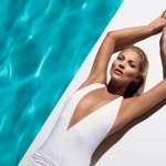 Kate Moss sexy en bikini blanc