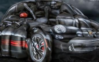 Body Painting : une Fiat 500 créée avec des corps de femmes nues