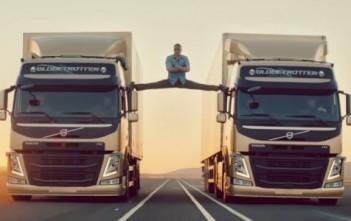 jean-claude van damme réalise un grand écart épique entre 2 camions volvo - JCVD