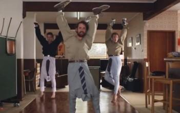 hellobeer : 4 mecs font des videos WTF pour la bière Carlton Dry