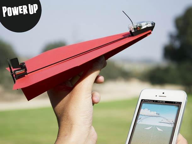 powerup 3.0 : l'avion en papier bluetooth téléguide par un smartphone