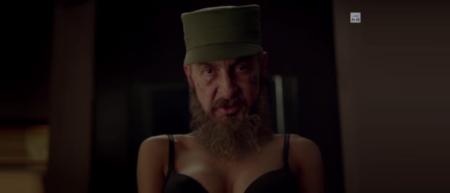 pub petasur l'éjaculation précoce avec la tête de Fidel Castro sur le corps d'une fille sexy - go vegan