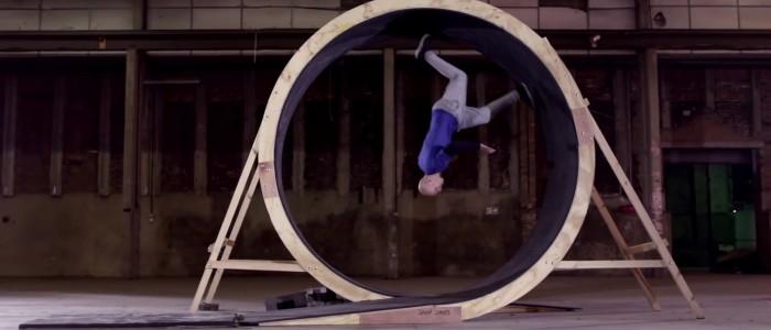 human loop : la boucle à 360° du free runner Damien Walters pour Pepsi max