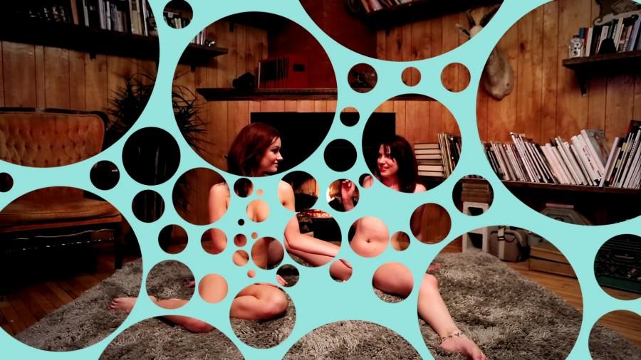 bubble porn : ces 2 filles ne sont pas en train de se caresser