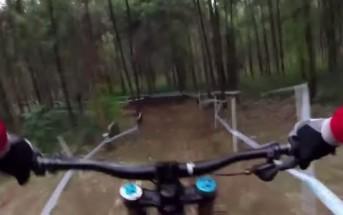 VTT downhill : un rider explique ses émotions lors d'une descente