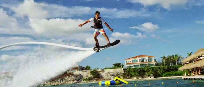 Hoverboard aquatique : un skate volant sur l'eau
