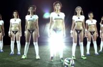 Des jeunes footballeuses allemandes posent pour Playboy