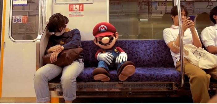 super mario smash bros dans le métro de tokyo
