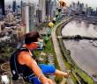 tyrolienne urbaine géante base jump