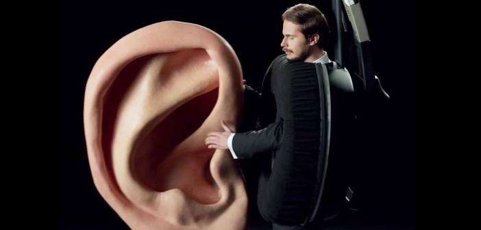 casque amoureux d'une oreille