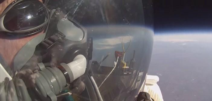 Alan Eustace de google réalise un nouveau record de saut en chute libre depuis un ballon