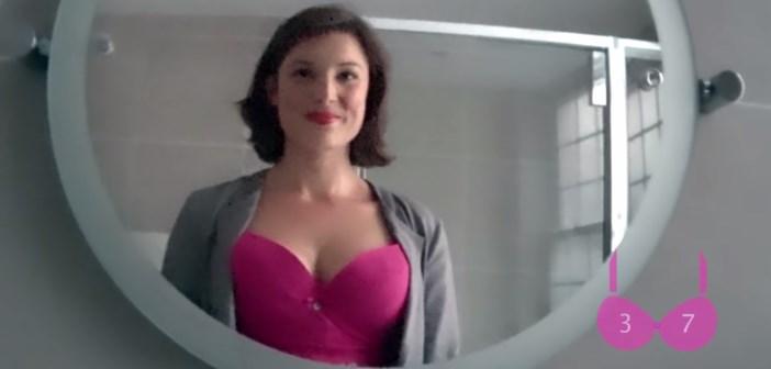 bra cam par nestle fitness : le décolleté de l'actrice anglaise Eloise Oliver