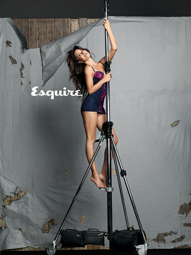 penelope-cruz-femme-plus-sexy-2014-esquire-06
