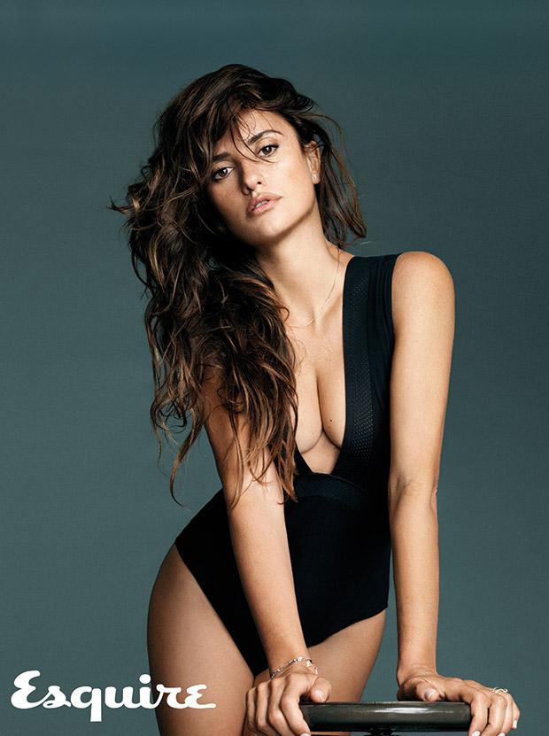 penelope-cruz-femme-plus-sexy-2014-esquire-11