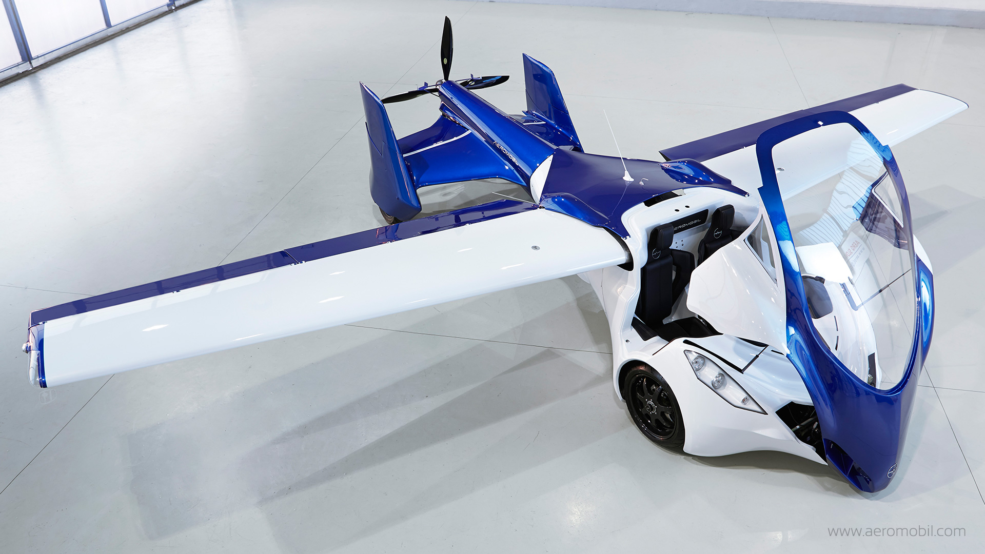 aeromobil 3 0 un prototype de voiture volante fonctionnel. Black Bedroom Furniture Sets. Home Design Ideas