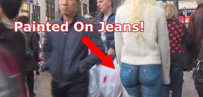 Bodypaint Jean : une blonde nue à New-York sans pantalon